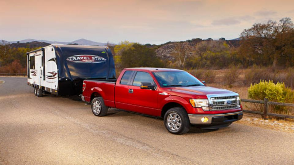 ford f150 pulling a trailer