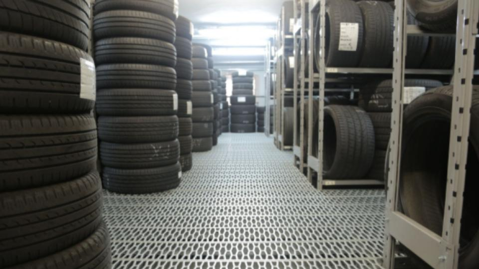different tires in a storage place